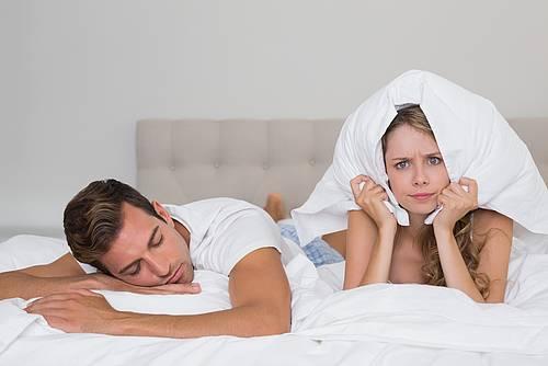 Почему девушка храпит ночью
